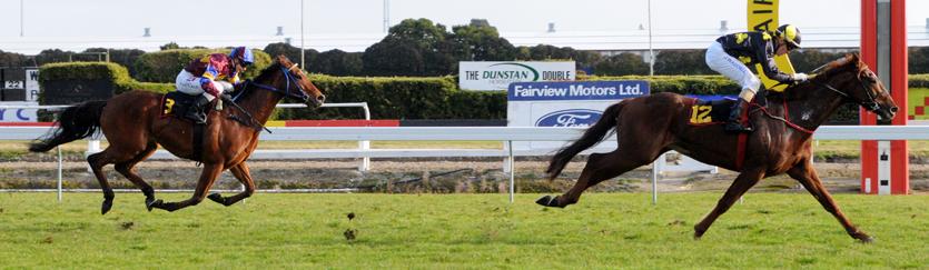 Secrets bursts clear > Australia and International Horse Racing news
